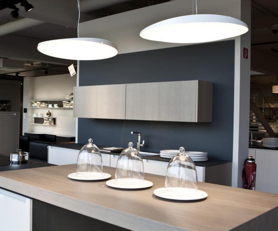 der kontakt licht ambiente leuchten und beleuchtungskonzepte aus hannover. Black Bedroom Furniture Sets. Home Design Ideas